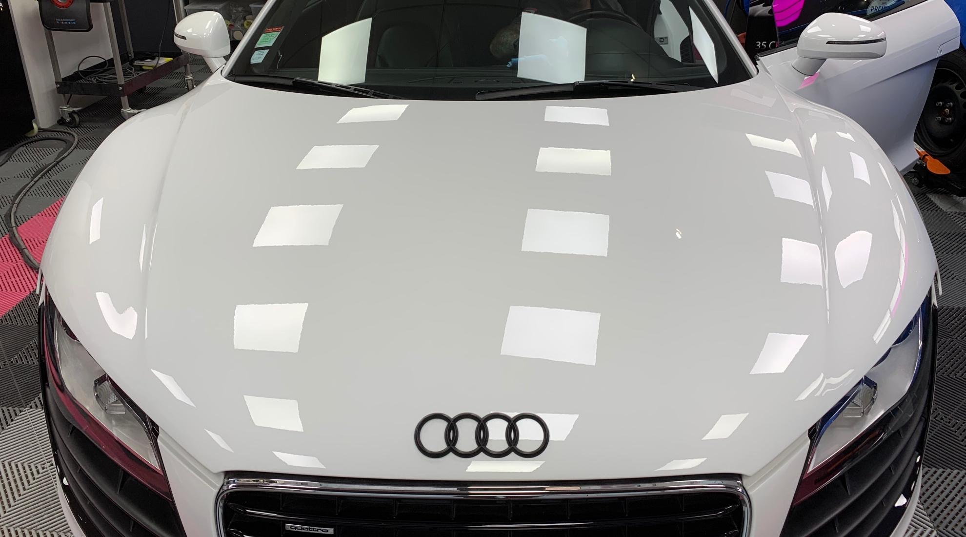 Audi_R8_blanc_polissage-carrosserie_face_avant